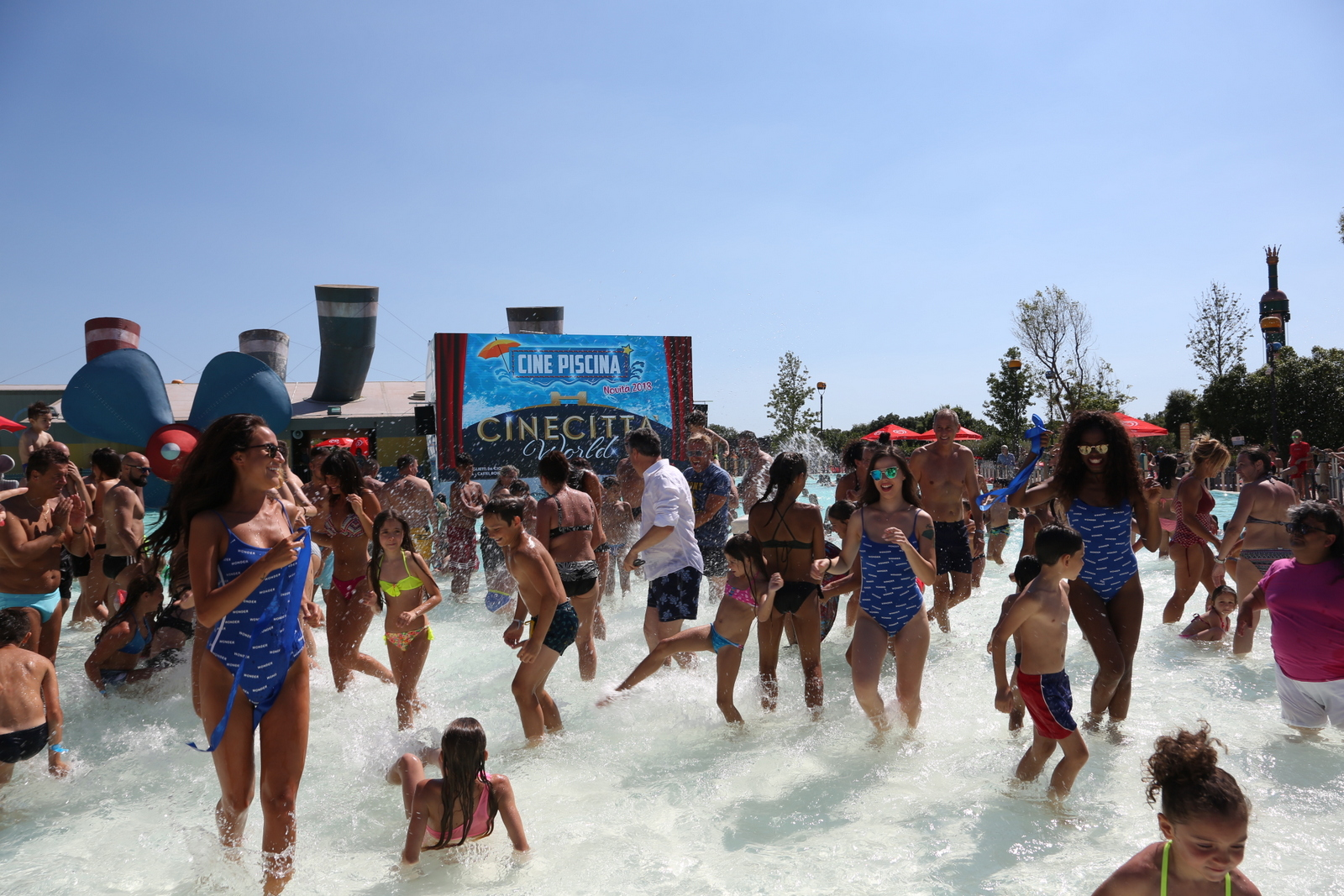 - CINEPISCINA CINECITTA WORLD 17